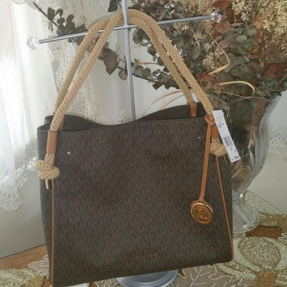 d22a28da947e9 NWT Michael Kors Isla Brown Acorn Lg Grab Bag